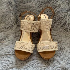 Madden Girl Size 8 Floral Lace Strappy Cork Wedges
